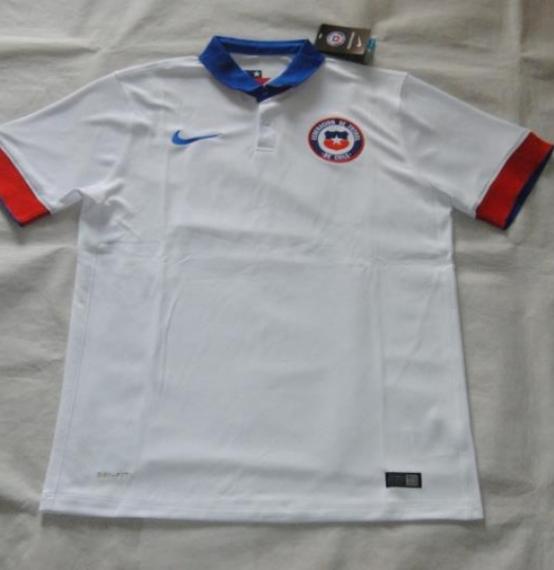 Футбольная форма сборной Чили (гостевая)