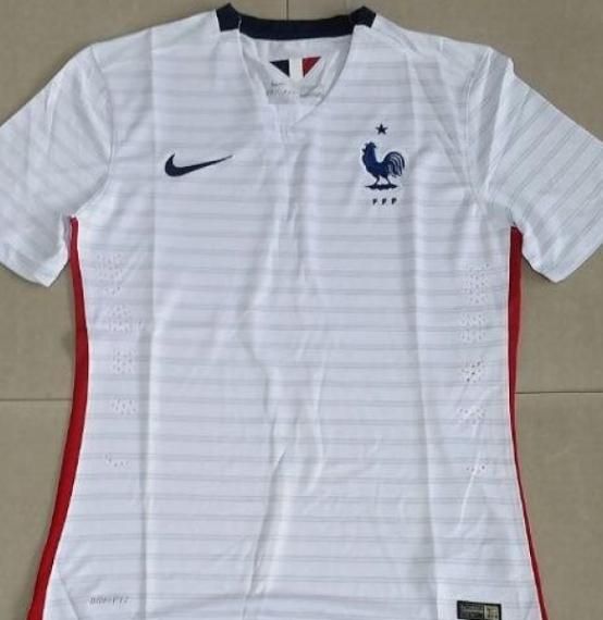Футбольная форма сборной Франции (гостевая)