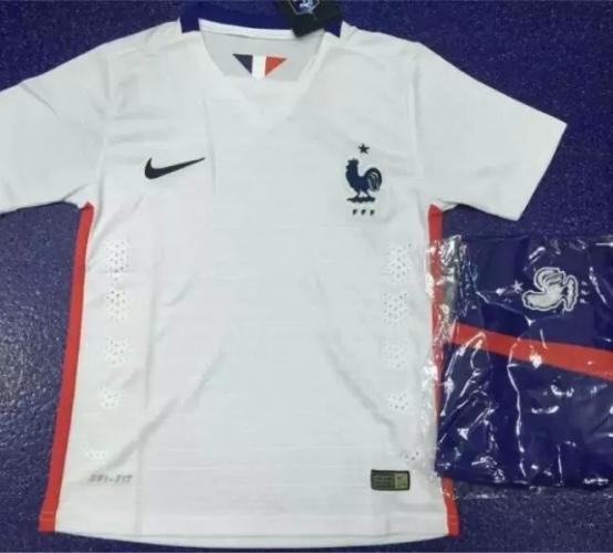 Детская форма сборной Франции (гостевая)