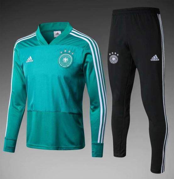 Футбольный костюм сборной Германии - зеленый