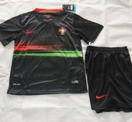 Детская форма сборной Португалии (домашняя)