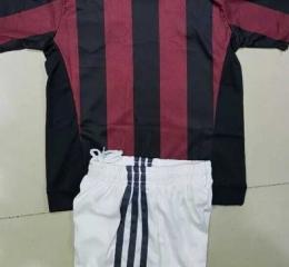 Детская футбольная форма Милан (домашняя)