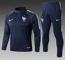 Футбольный костюм сборной Франции 2018-2019